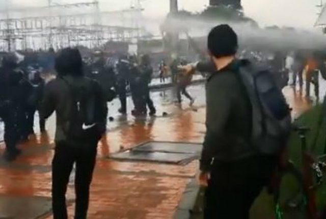 Esmad arremetió en contra de periodistas que cubrían marchas en Bogotá