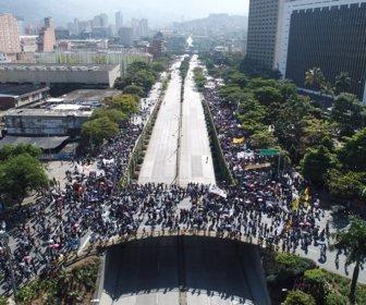 Barranquilleros marcharon de forma pacífica en el marco del paro
